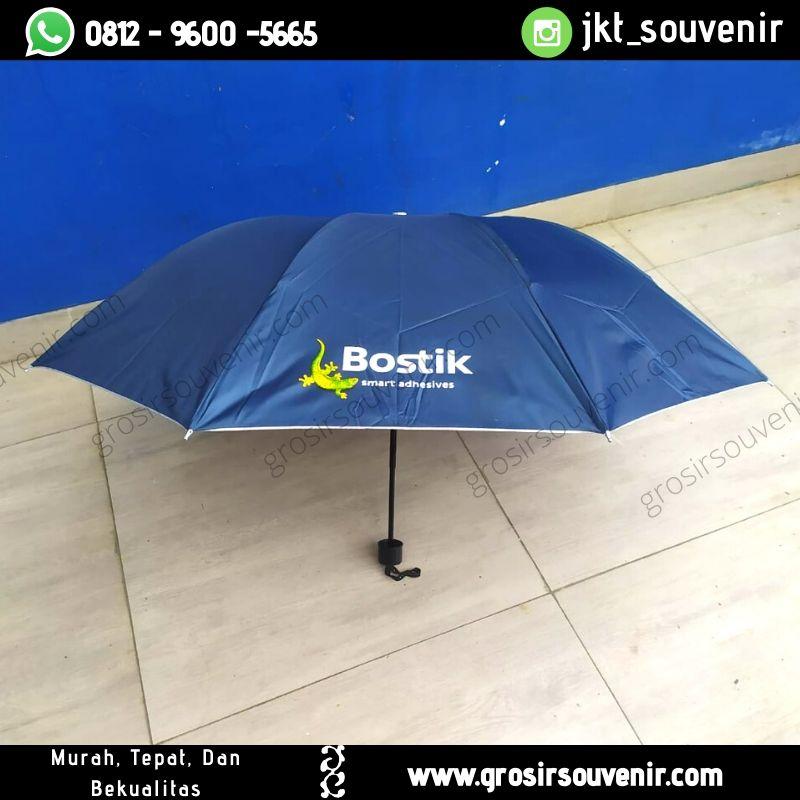 Payung lipat dongker bostik